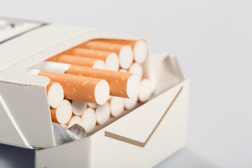 """Palacze sami """"mentolizują"""" papierosy. /123RF/PICSEL"""