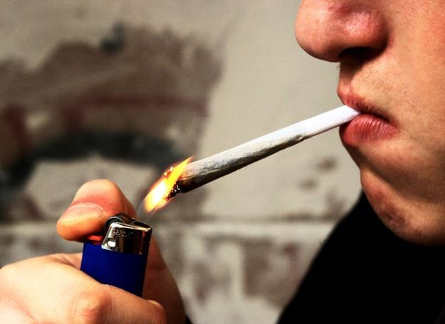 Palenie marihuany powoduje podobne objawy jakie występują u osób chorujących na schizofrenię. /© Panthermedia