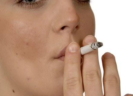 Palenie w ciązy niesie za sobą przykre skutki uboczne dla dziecka