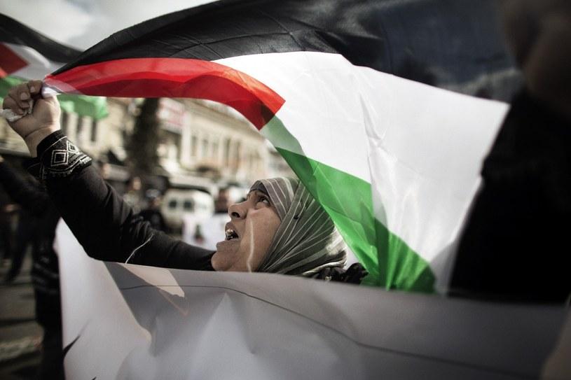 Palestyńczycy chcą, by społeczność międzynarodowa uznała ich państwowość i nazwę Palestyna /AFP
