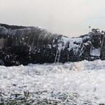 """""""Pali się od uderzenia pioruna"""". Ujawniono rozmowy pilota SSJ-100 z kontrolerami lotów"""