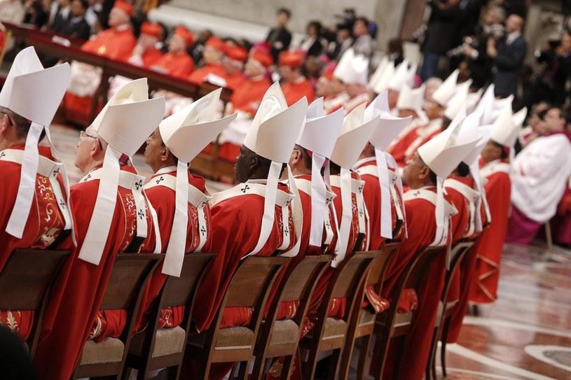 Paliusze otrzymało 24 arcybiskupów /PAP/EPA