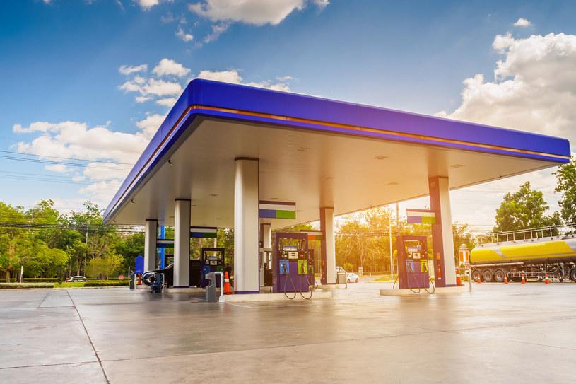 Paliwo gazowe potaniało średnio o 33 grosze netto za metr sześcienny /123RF/PICSEL