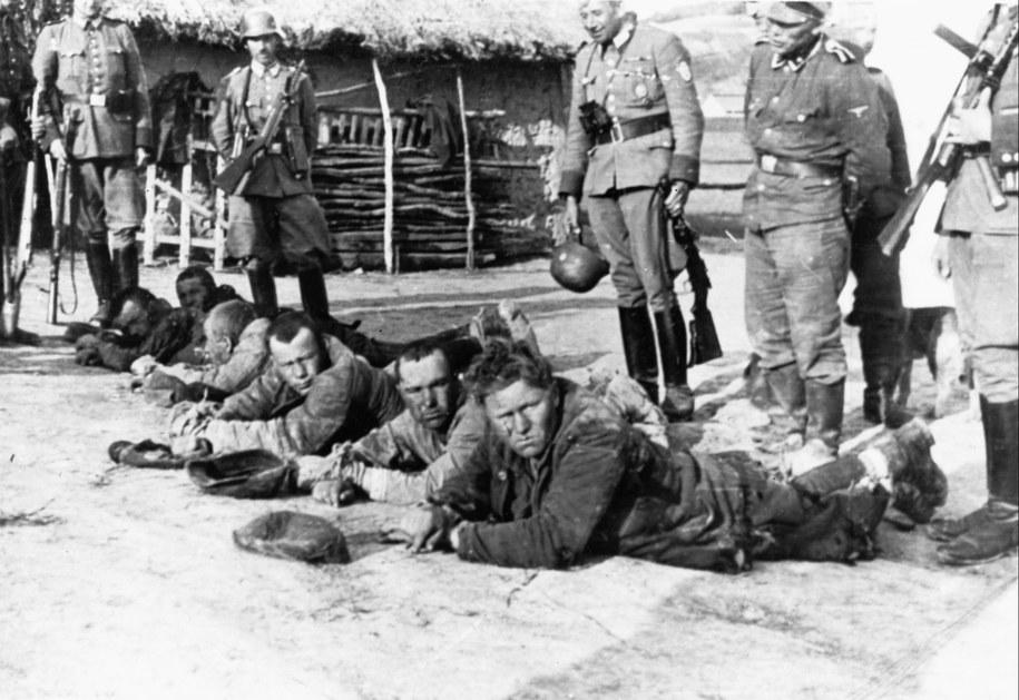 Palmiry pod Warszawą, 1939 r. W czasie okupacji niemieckiej 1939–41 Niemcy rozstrzelali tu ponad 1700 osób, gł. więźniów Pawiaka. /CAF /PAP