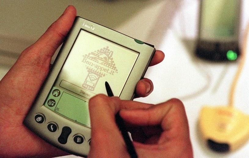 Palmtopy królowały kiedyś na rynku urządzeń mobilnych /AFP