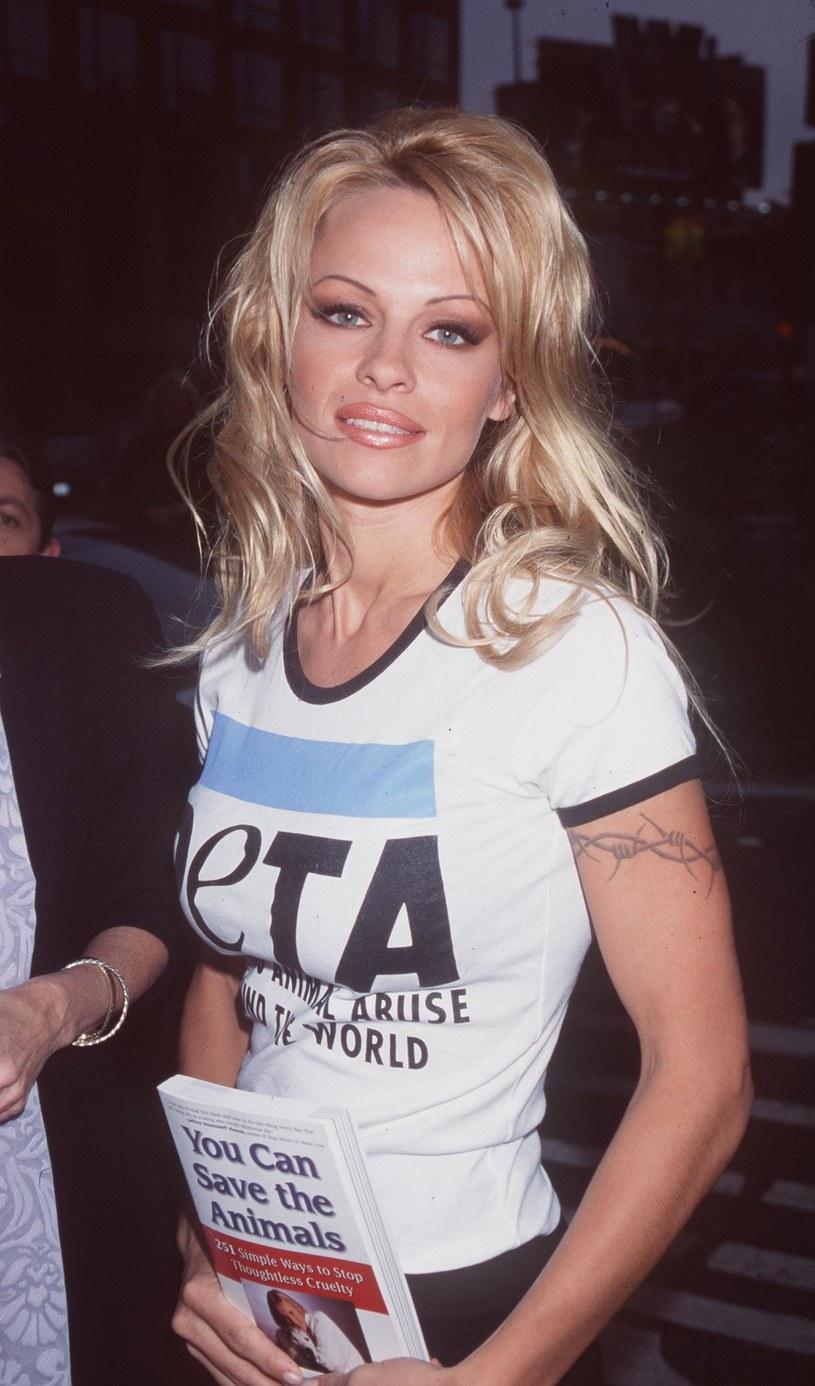 Pamela Anderson, 1999 rok /Brenda Chase /Getty Images