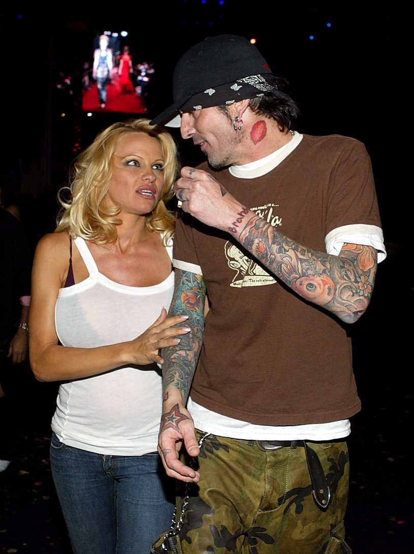 Pamela Anderson i Tommy Lee, 2004 rok /Carlo Allegri /Getty Images