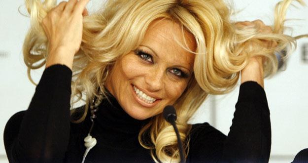 Pamela Anderson od lat walczy o prawa zwierząt /AFP