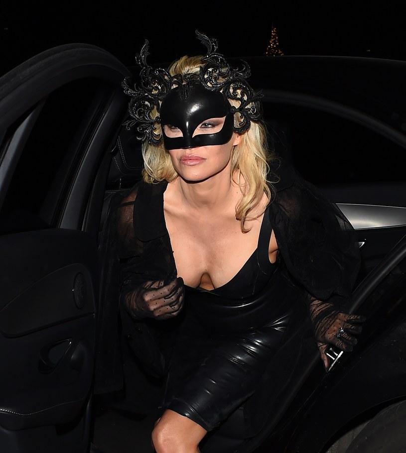 Pamela Anderson promuje bieliznę Coco de Mer /East News