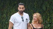 Pamela Anderson przyłapana z młodym partnerem