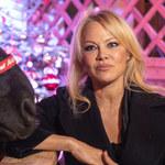 Pamela Anderson wciąż nosi słynny kostium kąpielowy
