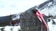 Pamiątkowy pomnik w miejscu śmierci Mieczysława Karłowicza pod Małym Kościelcem