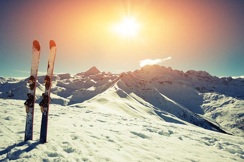 Pamiętaj o odpowiednim przygotowaniu wyjeżdżając na narty /123RF/PICSEL