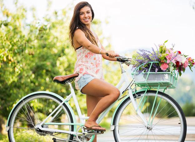 Pamiętaj, że rowerzystów obowiązują przepisy ruchu drogowego /123RF/PICSEL