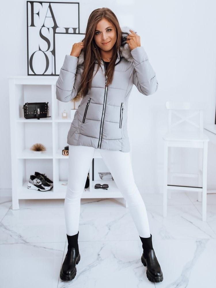 Pamiętaj, że w zimowych kurtkach ważniejszy jest aspekt praktyczny - estetyka to drugorzędna sprawa /materiały promocyjne