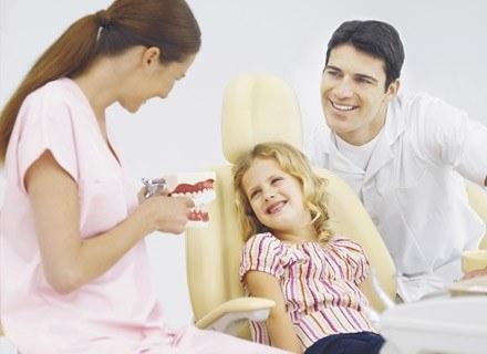 Pamiętajmy o regularnych badaniach kontrolnych jamy ustnej.