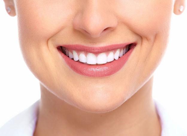 Pamiętam o tym, by regularnie odwiedzać stomatologa /123RF/PICSEL