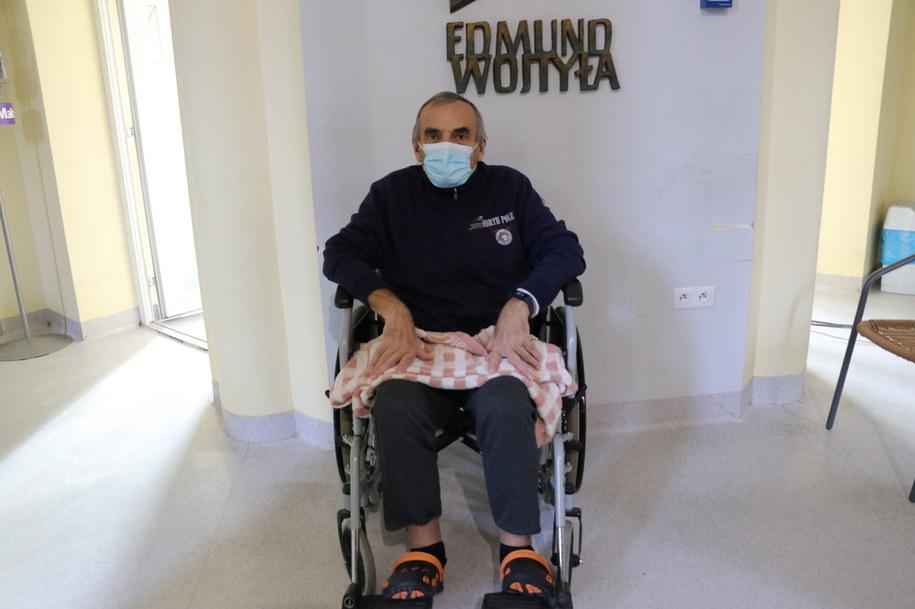 Pan Adam opowiedział naszym reporterom o swojej walce o zdrowie po zachorowaniu na Covid-19 /Józef Polewka /RMF FM
