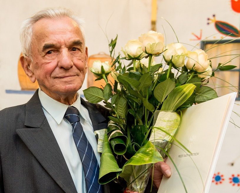 Pan Stanisław Kowalski w dniu swoich 105. urodzin /Maciej Kulczyński /PAP