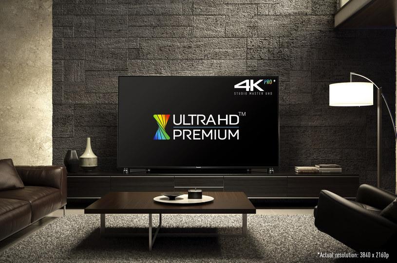 Panasonic DX900 z certyfikatem Ultra HD Premium /materiały prasowe