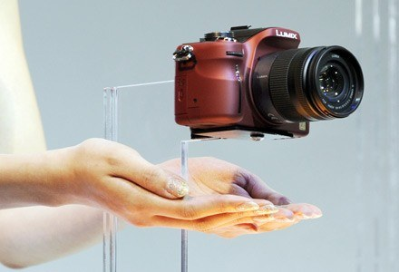 Panasonic Lumix G1 to początek zupełnie nowej kategorii sprzętu fotograficznego /AFP