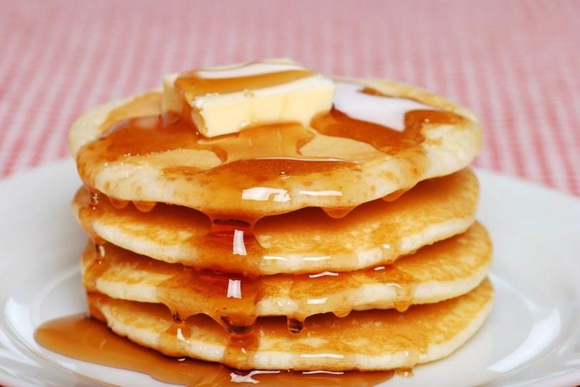 Pancakes z syropem klonowym /123RF/PICSEL