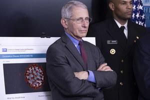 Pandemia. Amerykański ekspert: COVID-19 dziesięć razy bardziej zabójczy niż grypa