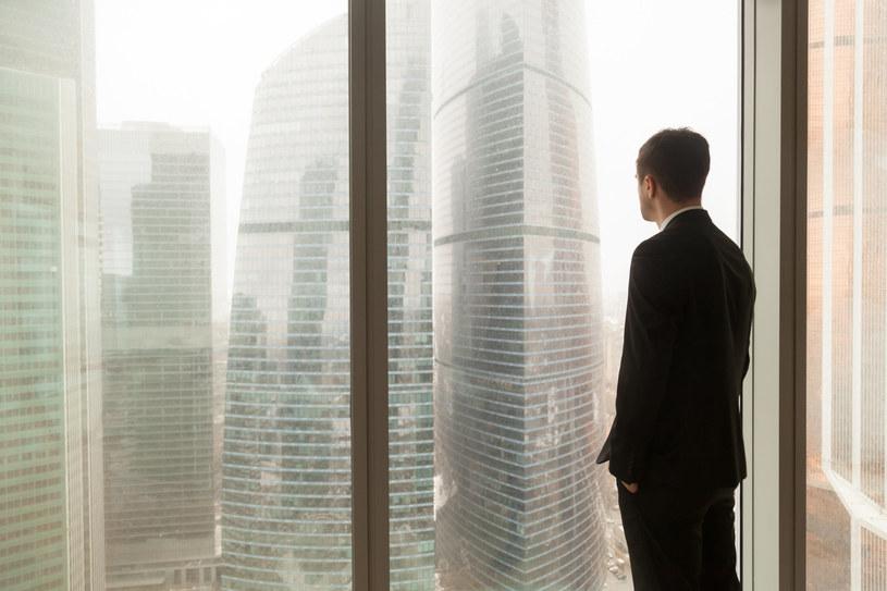 Pandemia dała nowe życie korporacyjnym trupom /123RF/PICSEL