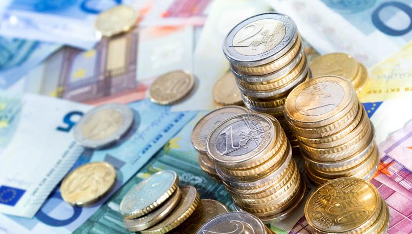 Pandemia przycięła wydatki Europejczyków. Efekt? Historyczny wzrost oszczędności