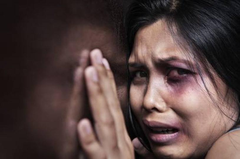 Pandemia spowodowała eskalację domowej przemocy /EastNews /East News