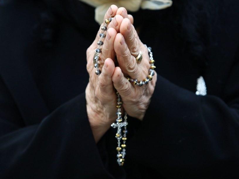 Pandemia uderzyła w materialną cześc Kościoła /AFP