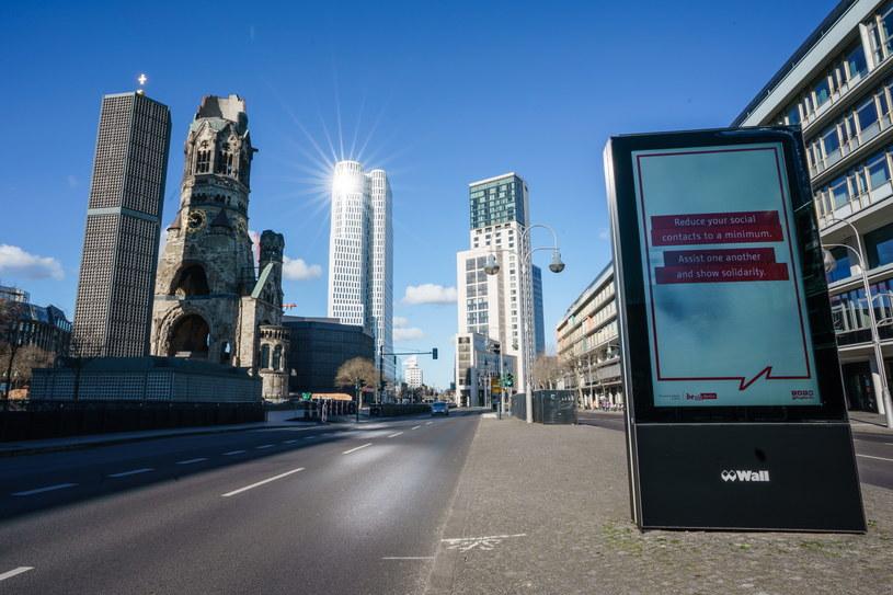 Pandemia w Niemczech. Wyludnione ulice Berlina /Clemens Bilan /PAP/EPA