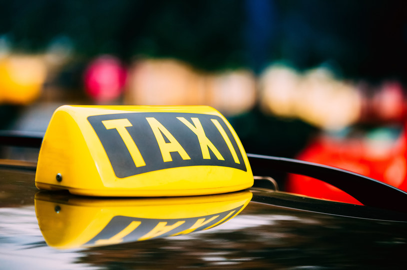 Pandemia zmiotła co piątego taksówkarza... /123RF/PICSEL
