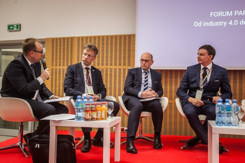 "Panel ""Od industry 4.0 do smart factory"" podczas Kongresu 590 w Jasionce /Ireneusz Rek /INTERIA.PL"