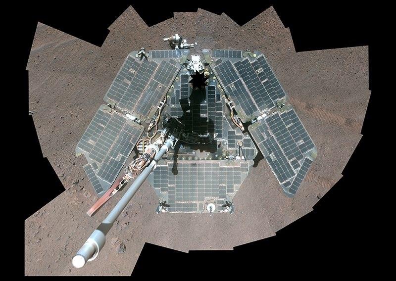 Panele słoneczne łazika Opportunity /NASA/JPL /Materiały prasowe