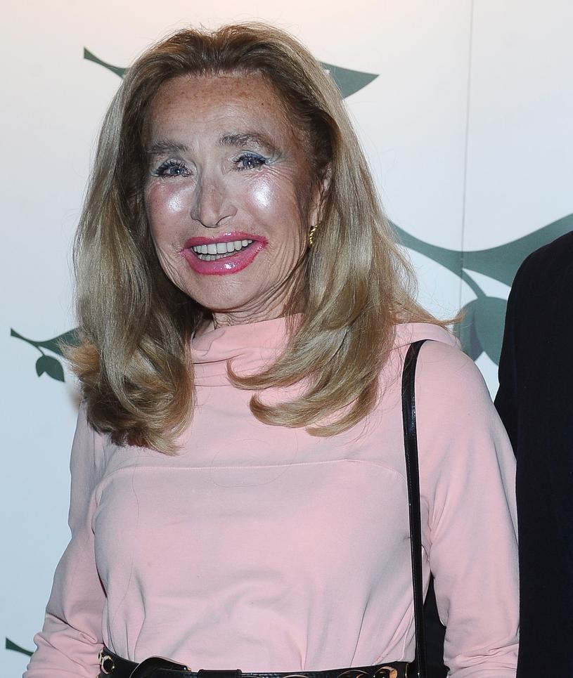 Pani Bogumiła w pełnym makijażu /Andras Szilagyi /MWMedia