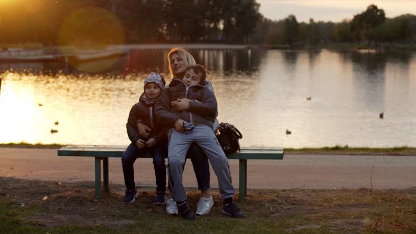 Pani Ewa została sama z dwójką dzieci i wielkimi długami /Polsat News