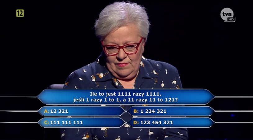 Pani Maria Romanek zastanawia się nad odpowiedzią na pytanie za milion złotych /TVN