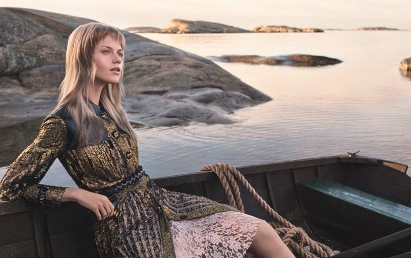 Pani Wiosna pięknie wygląda w kolorze blond o złocistym lub miodowym odcieniu/ Wella Professionals/ Gregory Harris /materiały prasowe