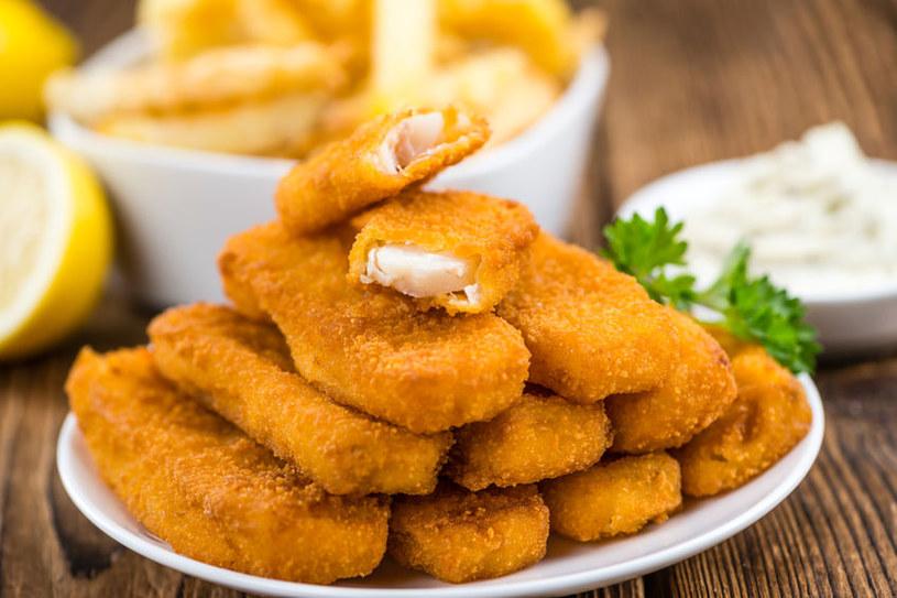 Panierka paluszków rybnych może zawierać niepotrzebne dodatki