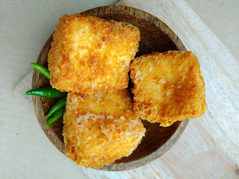 Panierowane tofu może być wysmienitym daniem /123RF/PICSEL
