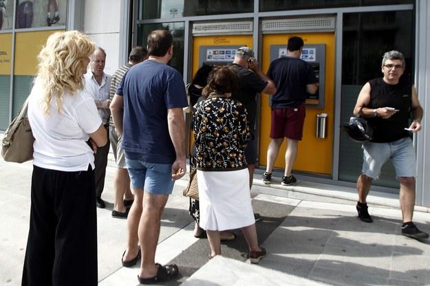 Panika w Grecji. Gigantyczne kolejki przed bankomatami
