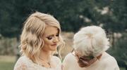 Panna młoda w sukni swojej babci