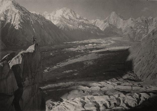 Panorama lodowca Baltoro ze szczytu Urdokas (Karakorum), Massimo Terzano, 1929, ©Società Geografica Italiana /materiały prasowe