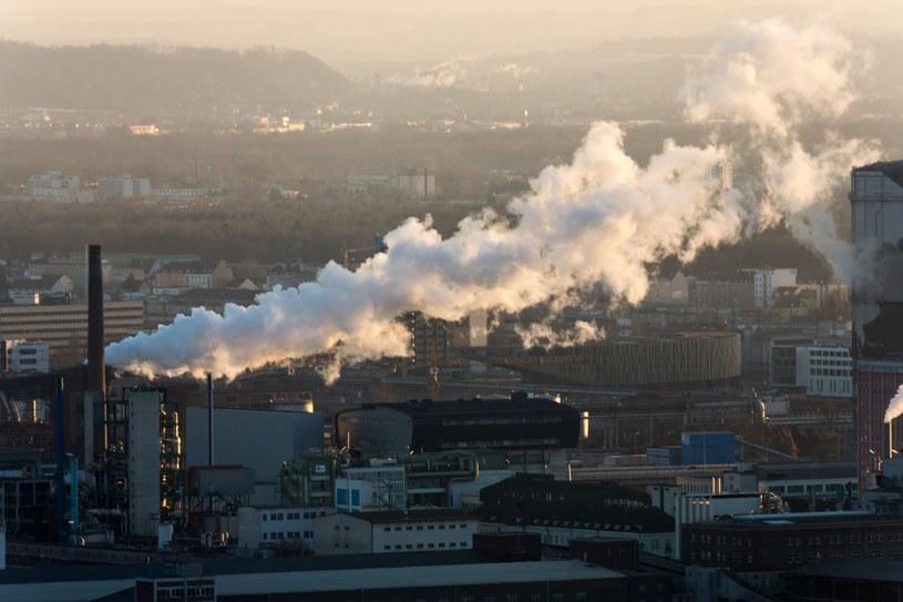Państwa UE myślą, jak połączyć klimat z budżetem /123RF/PICSEL