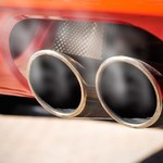 Państwa UE podnoszą poziom redukcji CO2 dla aut na 2030 rok