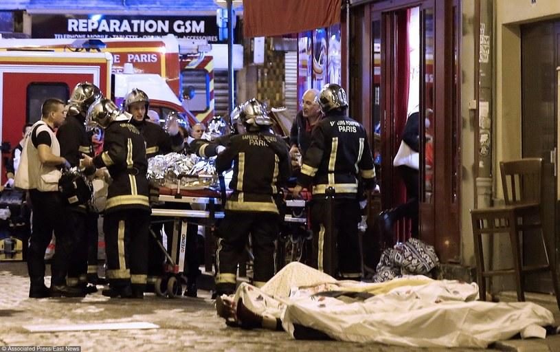 Państwo Islamskie wzięło na siebie odpwowiedzialność za zamachy /East News