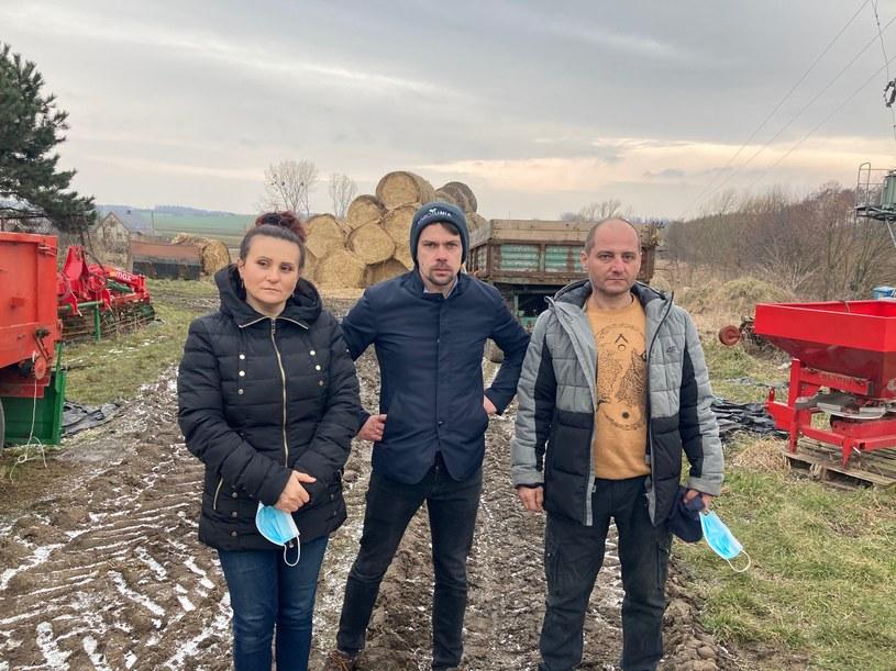 Państwo Lachowie z Michałem Kołodziejczakiem z AGROunii (fot. AGROunia) /Informacja prasowa