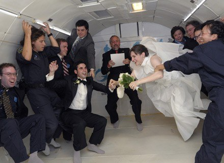 Pierwszy ślub W Chmurach Kobieta W Interiapl