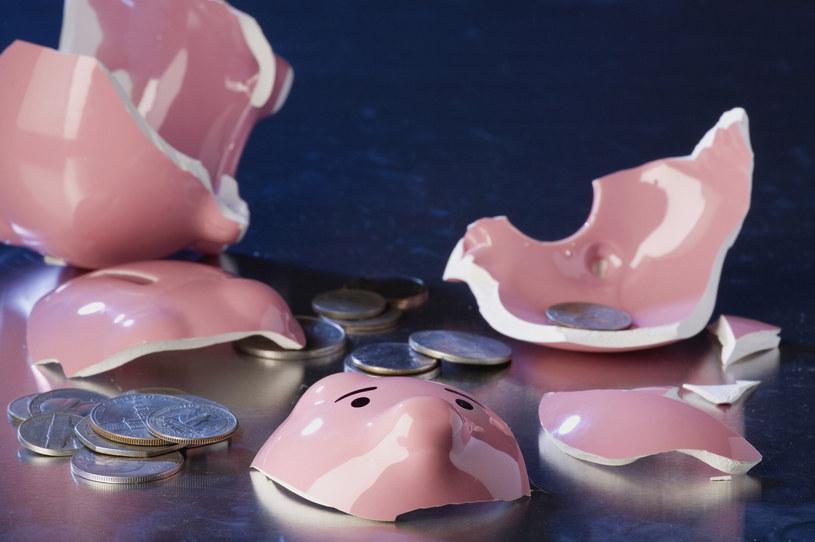 Państwo wspiera oszczędzanie na emeryturę? /© Glowimages